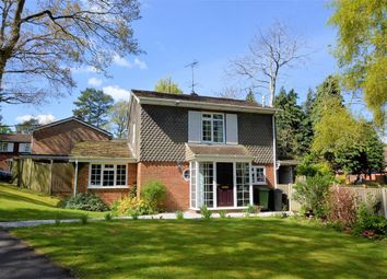 Thumbnail 4 bedroom detached house for sale in Auclum Close, Burghfield Common, Reading