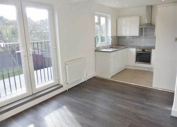Thumbnail 2 bedroom flat to rent in Crescent Road, New Barnet