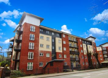 Thumbnail 2 bed flat to rent in New North Road, Exeter City Centre