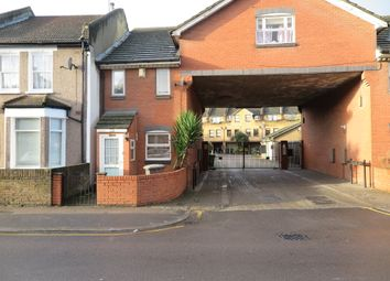 3 bed terraced house to rent in Greenland Mews, London SE8