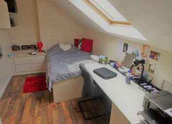Thumbnail 5 bedroom flat to rent in Sefton Court, Leeds