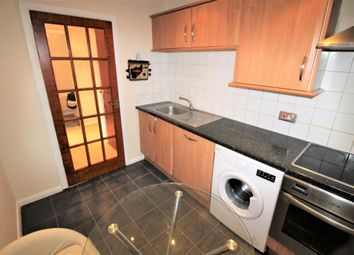 Thumbnail 1 bed flat to rent in Heatherwood Drive, Hayes
