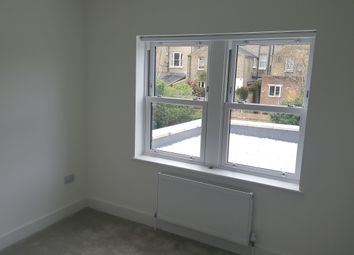 Thumbnail 1 bed flat to rent in Springdale Road, Hackney
