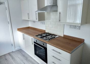 Thumbnail Room to rent in Hill Top, West Bromwich