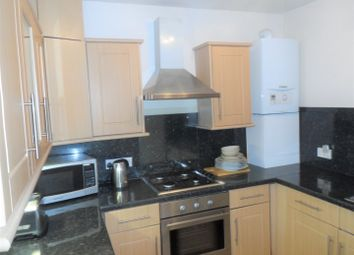 2 bed flat to rent in Clapham Crescent, London SW4