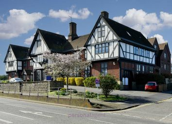 2 bed flat to rent in Reigate Road, Ewell, Epsom KT17
