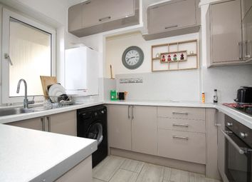 2 bed maisonette to rent in Commodore House, Poplar High Street, London E14