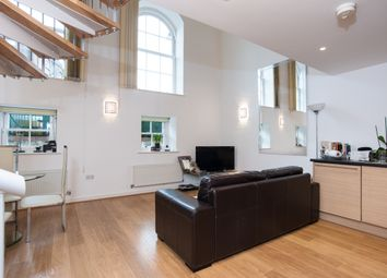 Thumbnail 1 bed flat to rent in Chaplin House, Shepperton Road, Islington