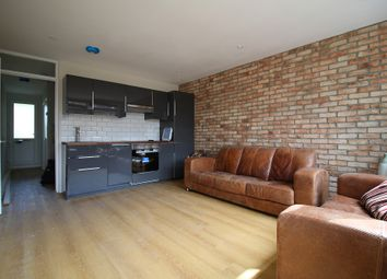 Thumbnail 4 bed flat to rent in Trentham Street, London
