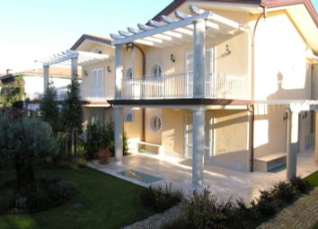 Thumbnail 3 bed villa for sale in Forte Dei Marmi, Lucca, Forte Dei Marmi, Lucca, Tuscany, Italy