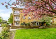 Passfields, Bromley Road, Catford 2R, London SE6. 3 bed flat