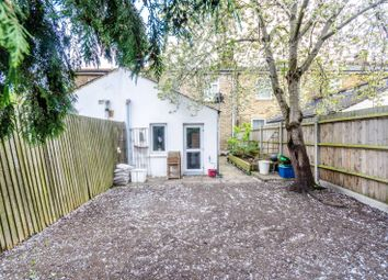 Thumbnail 3 bed property to rent in Kings Grove, Peckham