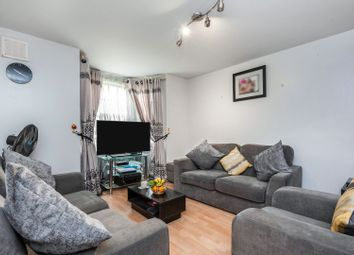 Thumbnail 3 bed flat for sale in Albion Avenue, Battersea / Clapham