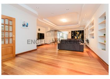 Thumbnail 3 bed apartment for sale in Rua Afonso Sanches, Cascais E Estoril, Cascais