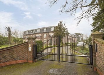 3 bed flat for sale in Beulah Court, Hadley Wood, Herts EN4