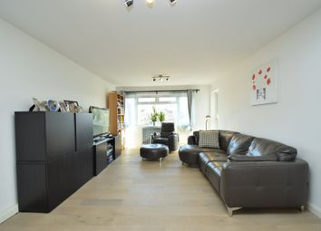 Thumbnail 4 bed flat to rent in Wickliffe Avenue, Finchley Central
