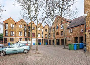 Thumbnail Studio to rent in Brunswick Quay, Surrey Quays, London