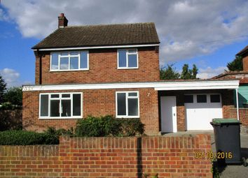 Thumbnail 3 bed detached house to rent in Queens Crescent, Bedford
