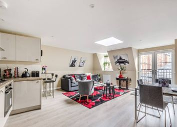 Thumbnail 2 bed cottage for sale in North End Road, Fulham, London