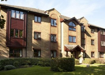 Thumbnail 1 bed flat for sale in Somers Place, Reigate