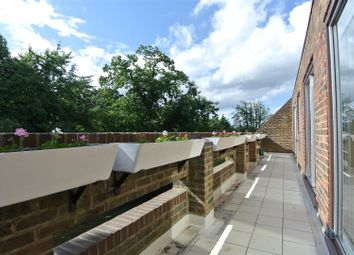 Thumbnail 2 bedroom flat for sale in Stroudwater Park, Weybridge
