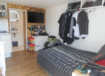 Thumbnail 1 bed flat to rent in Kennerley Avenue, Exeter
