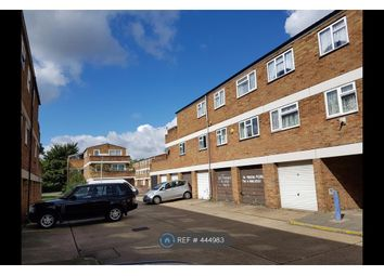 Thumbnail 3 bed flat to rent in Rokescroft, Basildon