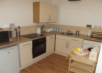 Thumbnail 1 bed flat to rent in High Street, Glasgow