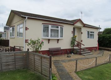 Thumbnail 2 bedroom mobile/park home for sale in Meadow Park, Sherfield On Loddon, Basingstoke, 0Dh