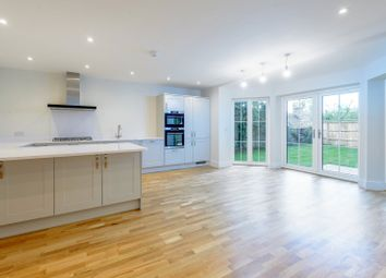 Shooters Hill, Pangbourne, Berkshire RG8. 4 bed semi-detached house