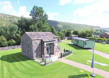 Thumbnail 2 bed mobile/park home for sale in Hawkswick, Skipton