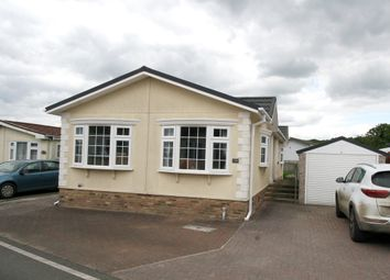 2 bed mobile/park home for sale in Woodlands Park, Biddenden, Ashford TN27