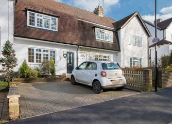 2 bed property for sale in The Glade, Old Coulsdon, Coulsdon CR5