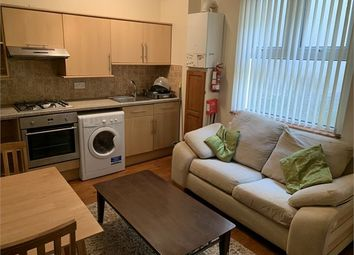 Thumbnail Room to rent in St James Gardens, Uplands, Swansea