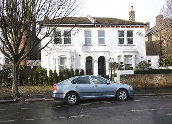 Thumbnail 4 bed flat to rent in Borthwick Road, London, Greater London.