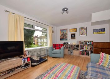 2 bed maisonette for sale in Victor Close, Hornchurch, Essex RM12