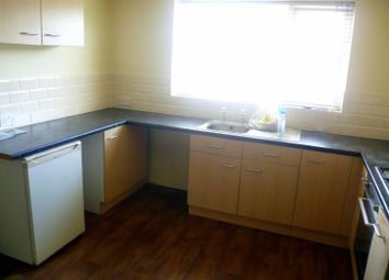 2 bed flat to rent in Liverpool Road, Eccles, Manchester M30