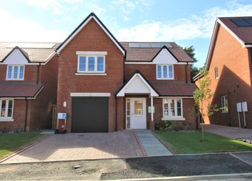 Heatherfields Way, Whitehill, Hampshire GU35. 4 bed detached house
