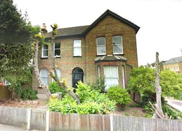 Thumbnail 3 bedroom flat to rent in Clarendon Road, Wallington
