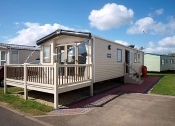 Thumbnail 2 bed mobile/park home for sale in Hall Lane, Walton On The Naze