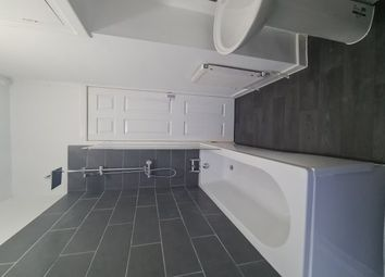 2 bed property to rent in Hudson Street, Burnley BB11