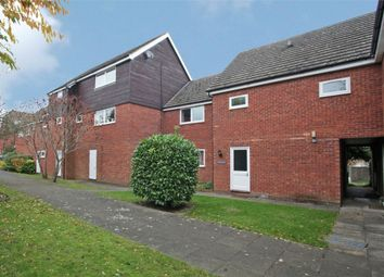 Thumbnail 2 bed flat for sale in Longfield Road, Tring, Hertfordshire
