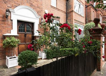 Thumbnail 5 bed detached house for sale in Queen Anne's Grove, London