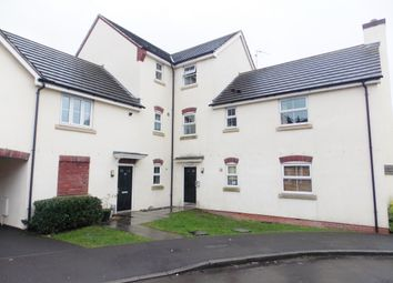 Thumbnail 2 bedroom flat to rent in Vistula Crescent, Swindon
