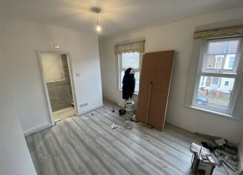 Room to rent in Denny Road, London N9