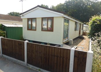 Thumbnail 2 bed mobile/park home for sale in Warren Farm Home Park, Warren Lane, Pyrford, Woking