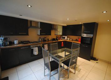 Thumbnail 7 bed terraced house to rent in 11 Manor Drive, Hyde Park