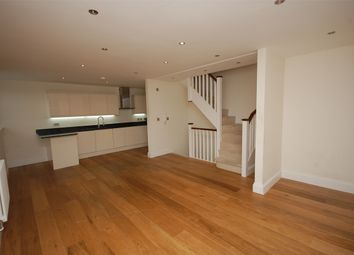 Thumbnail 3 bed flat to rent in Grove Lodge, Regents Park Road, Finchley, London