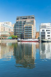Thumbnail 3 bedroom flat for sale in Turnberry Quay, Canary Wharf
