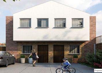 Thumbnail Property for sale in Dean Court, London Road, Romford